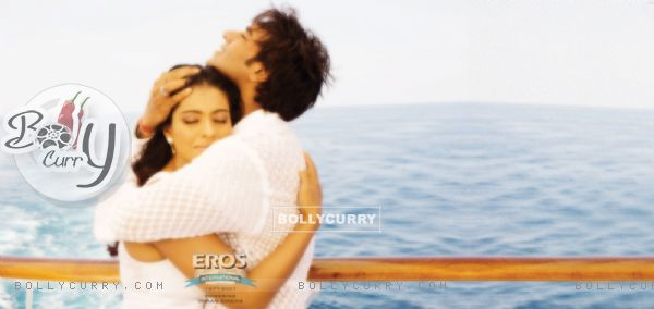 Kajol and Ajay hugging each other (12301)