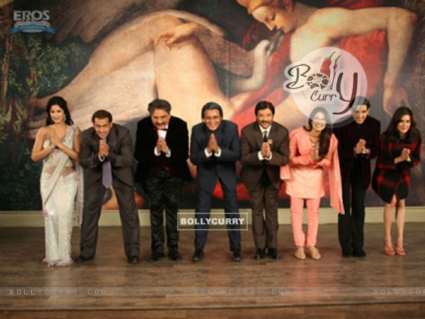 All cast of yuvraaj bending their head