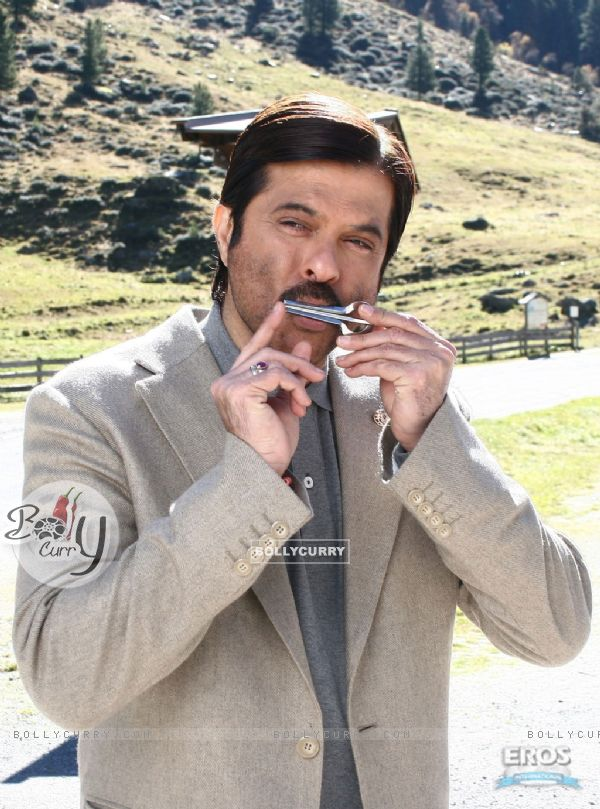 Anil Kapoor looking simple and cute (12354)