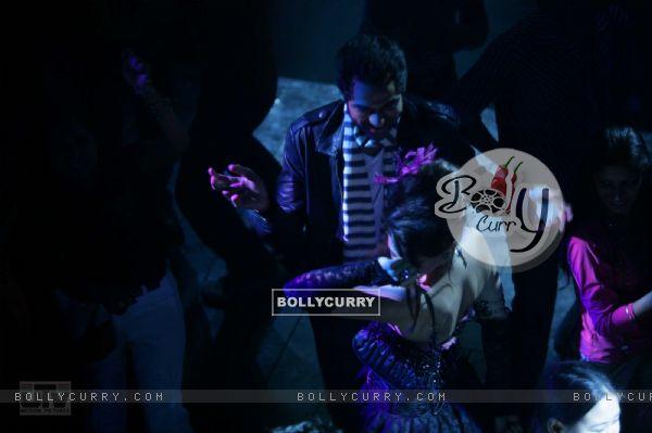 Abhay Deol dancing (12516)