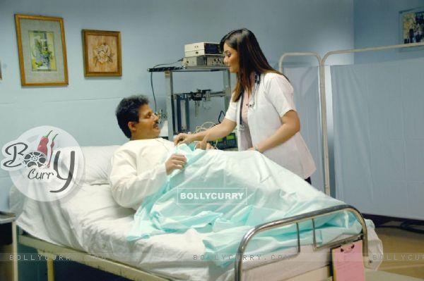 Nausheen Ali Sardar check-up her patient
