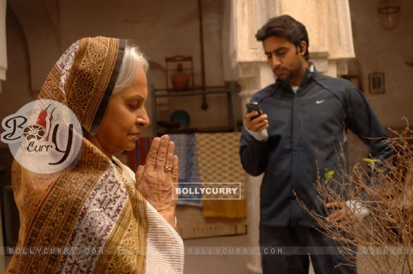Abhishek Bachchan and Waheeda Rahman in Delhi-6