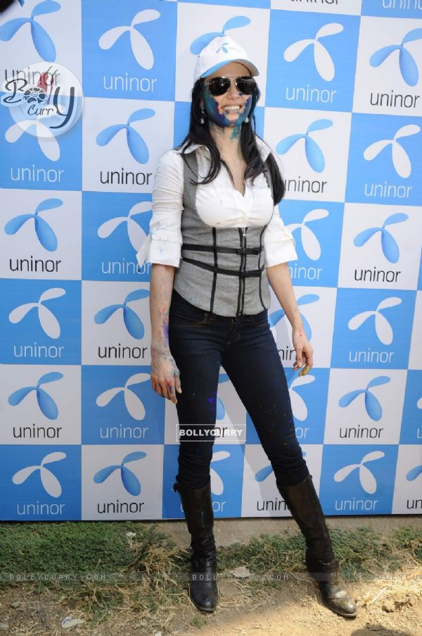 Yana charms at Uninor Holi event for NGO children at Xaviers Institute. .