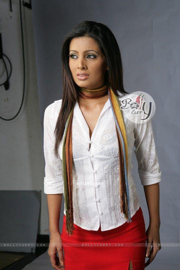 Geeta Basra 856