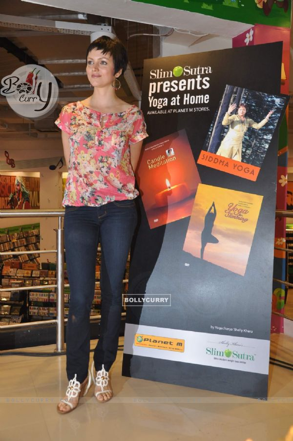 Yana Gupta at Slim Sutra launches 3 exclusive DVDs namely Siddha Yoga, Candle Meditation and Yoga