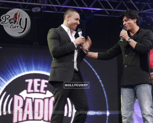Jay Sean and Shahrukh Khan shares the stage-launch of Zee Radio