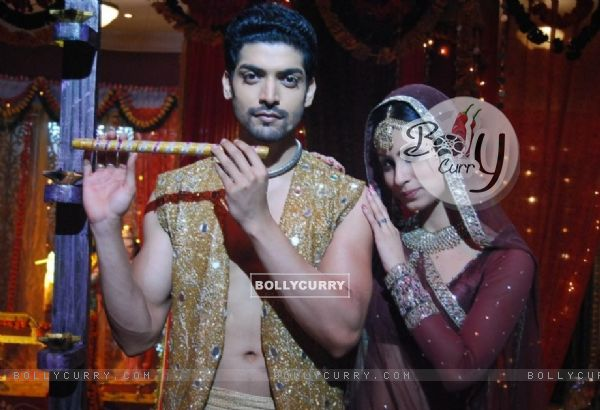 Gurmeet Choudhary & Mouni Roy