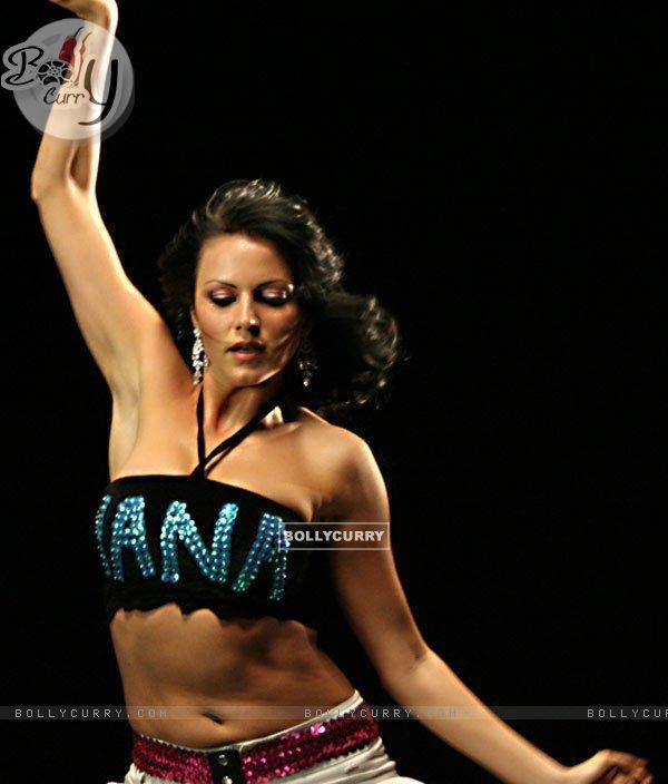 Yana Gupta 2499