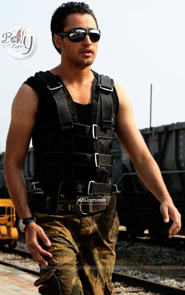 Hot looking Imran Khan in the Movie Luck