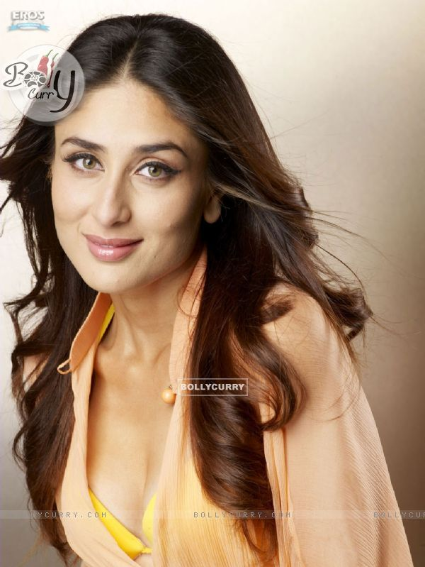 Kareena looking hot in Kambakkht Ishq | Kareena Kapoor Photo ...