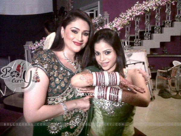Natasha Kapoor with her mom in Bade Acche Laggte Hai