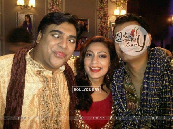Ram Kapoor, Jai Kalra and Tarana Raja Kapoor in Bade Acche Laggte Hai