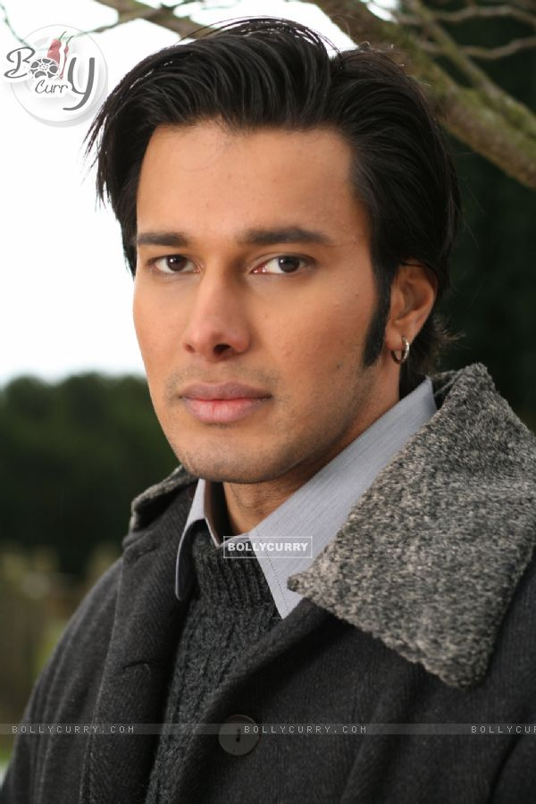 Rajneesh Duggal looking gorgeous