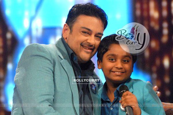Adnan Sami with Niladri Chatterjee on the sets of Sa Re Ga Ma Pa Li'l Champs