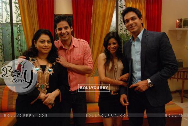 Renuka, Mohit, Sumona, Mahesh as a cast in Bade Acche Laggte Hai