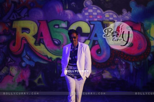 Ajay Devgn in the movie Rascals