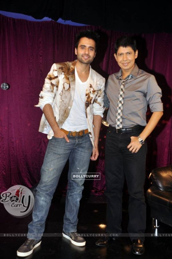 Jackky Bhagnani with Omar Qureshi on Zoom