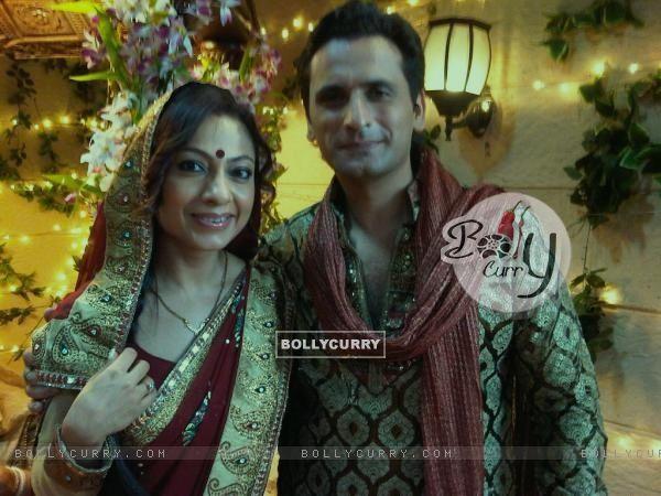 Tarana and Jai on BALH set, celebrating Karva Chauth