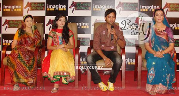 Beend Banoongaa Ghodi Chadhunga cast at an promotional event