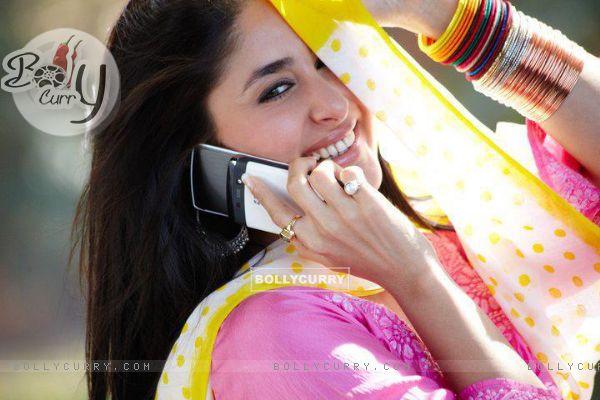 http://img.bollycurry.com/images/600x0/166319-kareena-kapoor-in-the-movie-bodyguard.jpg