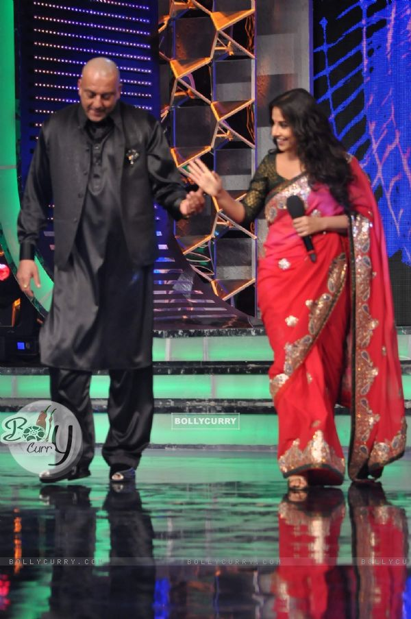 "Vidya Balan with Sanjay Dutt on the set of ""Bigg Boss Season 5"" to promote her movie The Dirty Pictu"