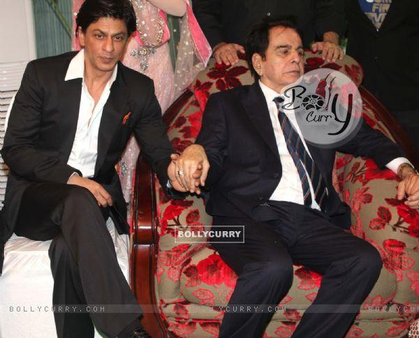 Shah Rukh Khan grace Dilip Kumar's 89th Birthday Party