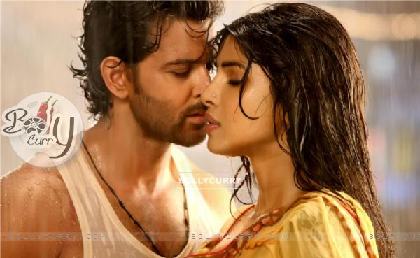 Hrithik and Priyanka in Agneepath (2012) (174825)