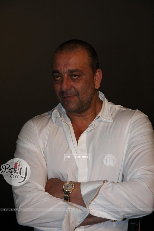 Sanjay Dutt gestures during the promo launch of film 'Agneepath' in Mumbai (176089)