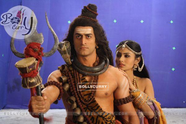 Still image of Shiv & Sati from Devon Ke Dev. Mahadev