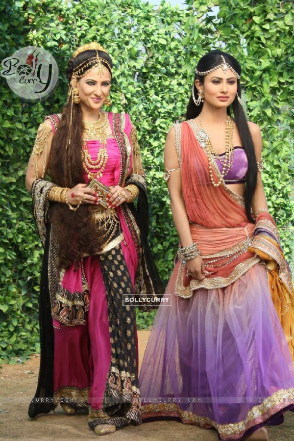 Rakshandha Khan aka Madinike and Mouni Roy as Sati in Devon Ke Dev. Mahadev