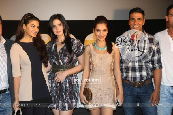 Akshay Kumar, Shazahn Padamsee, Zarine Khan & Jacqueline at First look launch of 'Housefull 2'