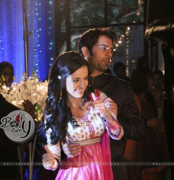Barun Sobti and Sanaya Irani on Iss Pyaar Ko Kya Naam Doon sets