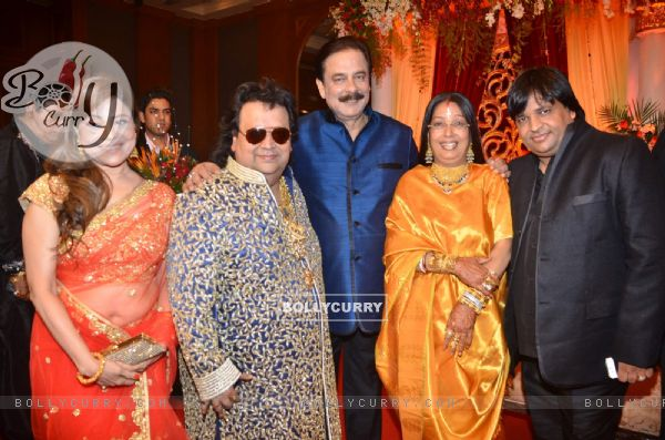 Bappi Lahiri, Chitrani Lahiri, Subroto Roy at Bappa Lahiri and Taneesha Verma Wedding Reception