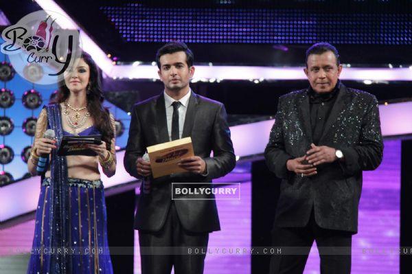 Jay Bhanusali, Saumya Tandon & Mithun Chakraborty at Dance India Dance Season 3 Grand Finale