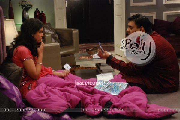 Saakshi Tanwar and Ram Kapoor on sets of Bade Acche Lagte Hai