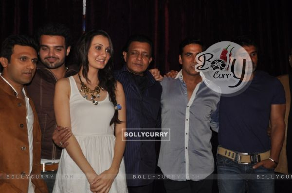 Shawn Arranha, Vaishali Desai, Mimoh, Mithun, Akshay & Sunil at Film Tukkaa Fitt first look launch