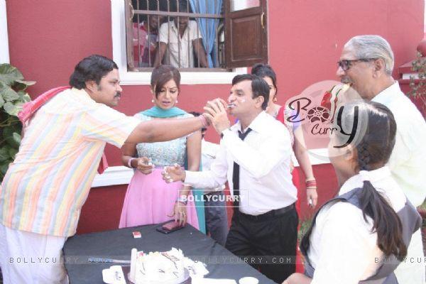 Debina Bonnerjee, Rajendra Gupta and Paresh Ganatra at Paresh's Birthday
