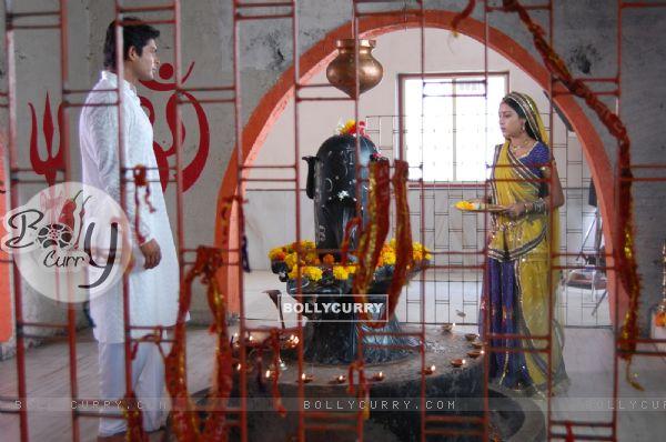 Pratyusha Banerjee and Siddharth Shukla on the sets of Balika Vadhu