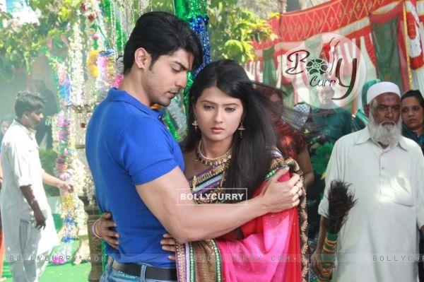 Gurmeet Choudhary & Krathika Sengar in Punar Vivah