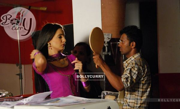Sanaya Irani on the sets of Iss Pyaar Ko Kya Naam Doon?