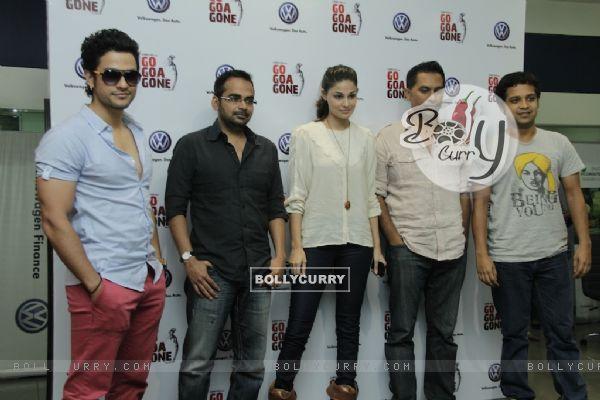 Kunal Khemu and Pooja Gupta promoting Movie Go Goa Gone (211526)