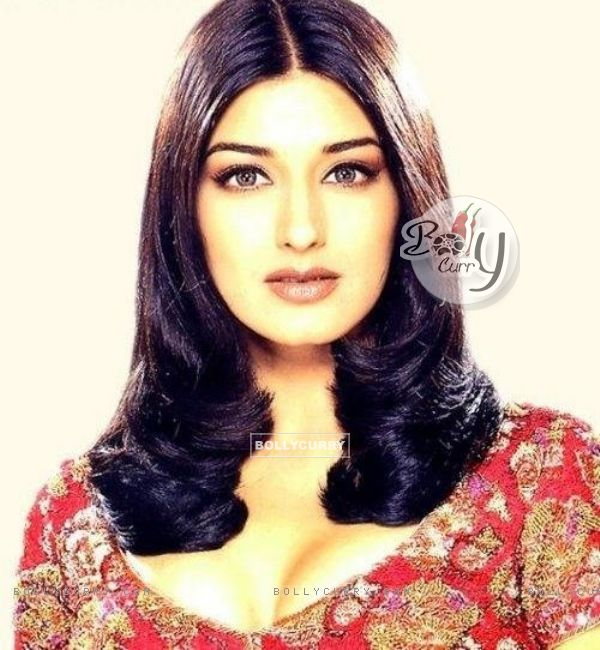 Sonali Bendre - Wallpaper Hot