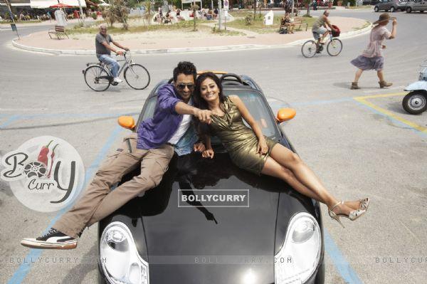 Jackky Bhagnani and Nidhi Subbaiah in Ajab Gajabb Love
