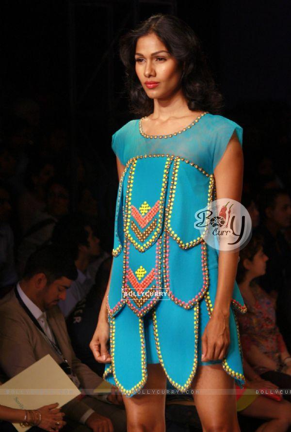 Bollycurry Designer Surily Goel Wills Lifestyle India