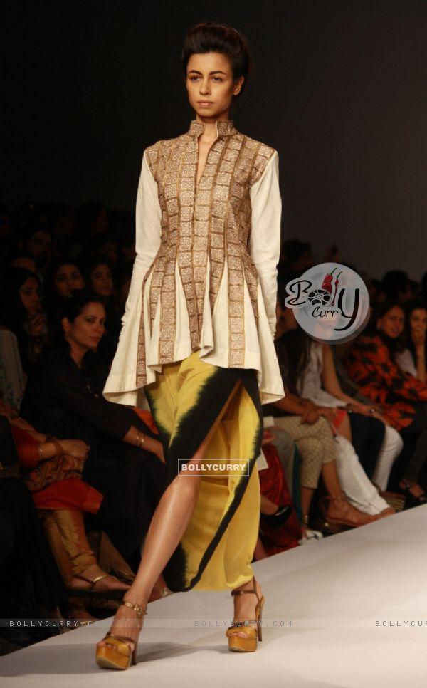 Bollycurry Designer Anand Kabra Wills Lifestyle India Fashion Week 2013 In New Delhi Photo