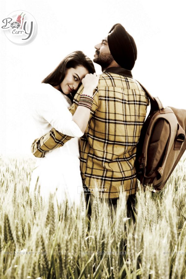 Ajay Devgn and Sonakshi Sinha in Son of Sardaar