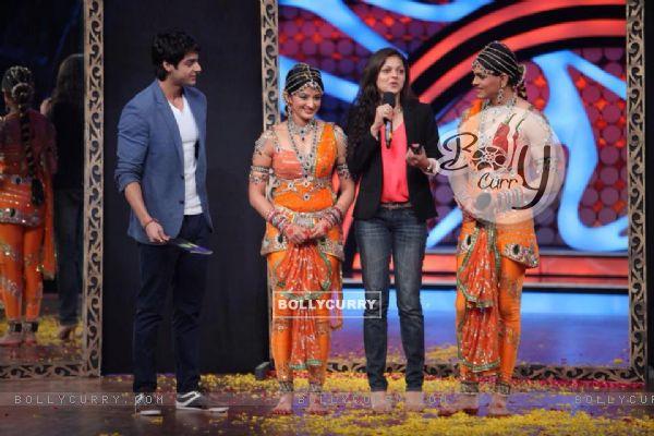 Drashti Dhami, Suhasi Dhami, Jaisheel Dhami and Karan Wahi