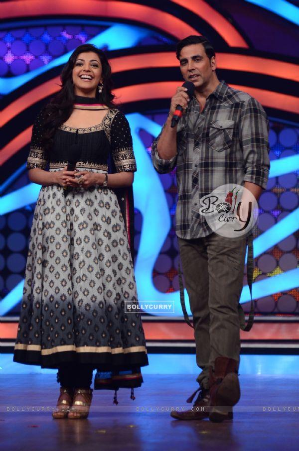 Akshay Kumar and Kajal Agarwal On Nach Baliye to promote Special 26