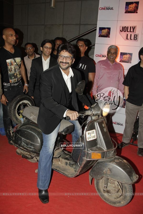 Arshad Warsi at Premiere of movie Jolly LLB (271761)