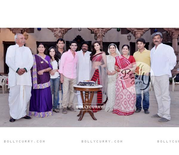Gautam Rode,Monica Bedi and Sanjay Leela Bhansali with the cast of Saraswatichandra